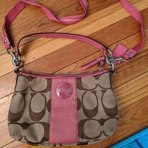 Coach shoulder/crossbody bag.